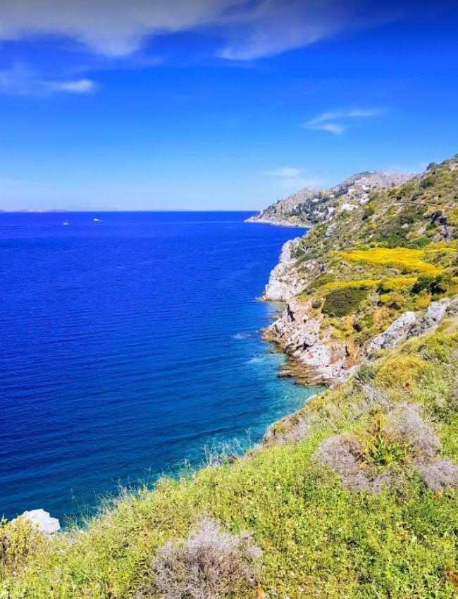 beautiful coastline in hydra island